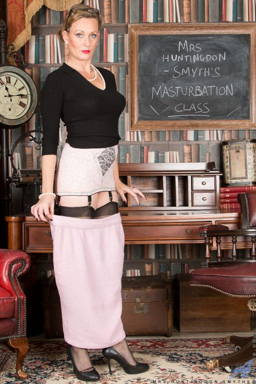 Mrs Huntingdon Smythe - MASTURBATION CLASS 07