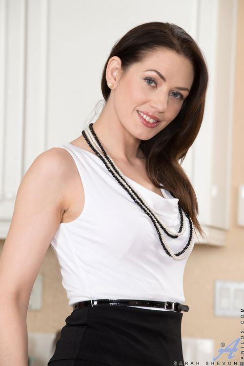 Sarah Shevon - CLASSY HOUSEWIFE 02