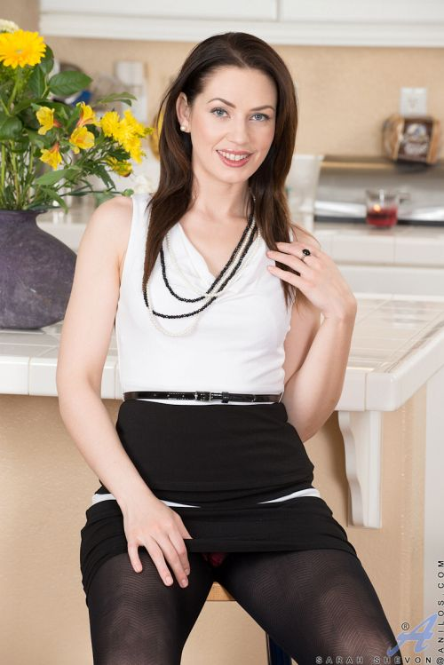 Sarah Shevon - CLASSY HOUSEWIFE 04