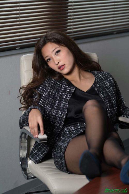 百多えみり - 逆セクハラが趣味の淫乱パワハラ女上司 04