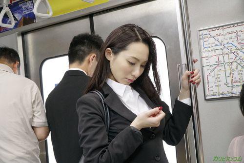 吉岡蓮美 - 痴●電車 ~痴●待ちの美人OL~ 08