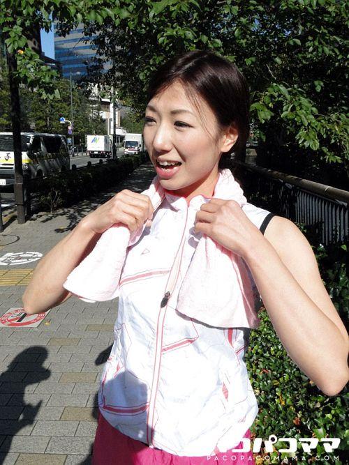 山城みずほ - ジョギングミセス ~美乳ランナー~ 01