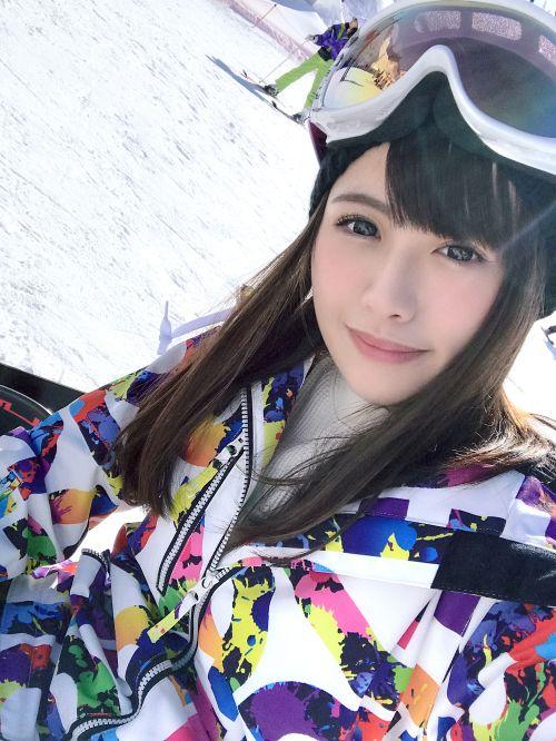 ゲレンデナンパ 01 雪山ではド素人!布団の上ではテクニシャン!スティック握るよりもチ〇ポ握るのが得意なスケベ美少女!! - もえ 21歳 歯科衛生の専門学生 02