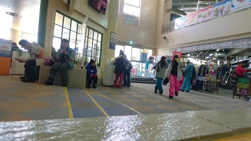 ゲレンデナンパ 01 雪山ではド素人!布団の上ではテクニシャン!スティック握るよりもチ〇ポ握るのが得意なスケベ美少女!! - もえ 21歳 歯科衛生の専門学生 05