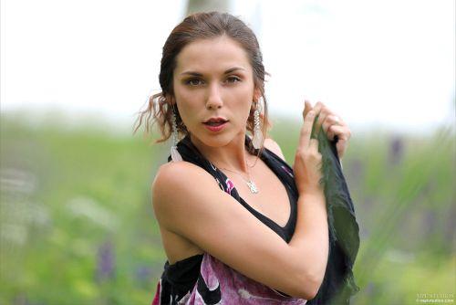 Elena Generi - VIOLET NATURE 02