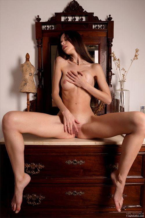 Leona Mia - ARTHOUSE ANGEL 19