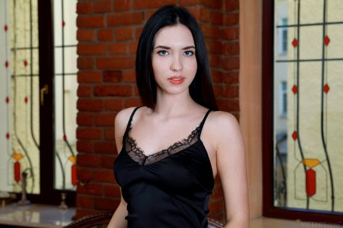 Velana - LITTLE BLACK DRESS 03