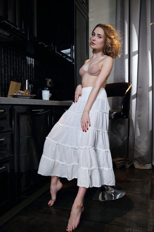 Alice Shea - CAFE 01
