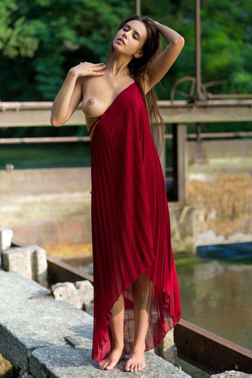 Alisa Amore - LA FEMME 02
