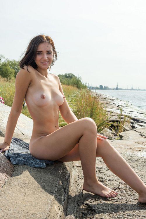 Oxana Chic - BEACHIN 17