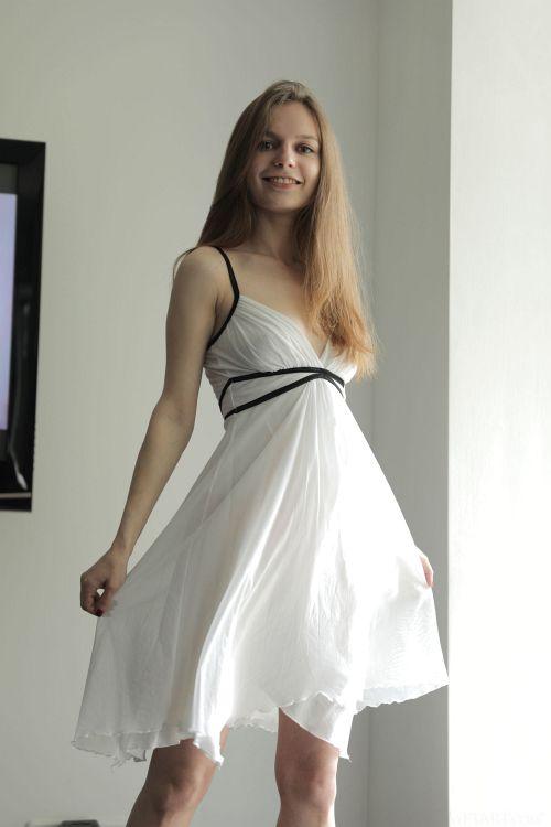Sofi Shane - FLOWY 01
