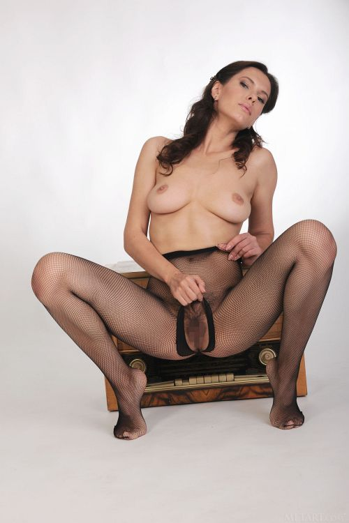 Suzanna A - CROTCHLESS 11