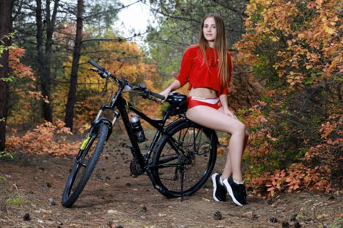 Hailey - OUT BIKING 03