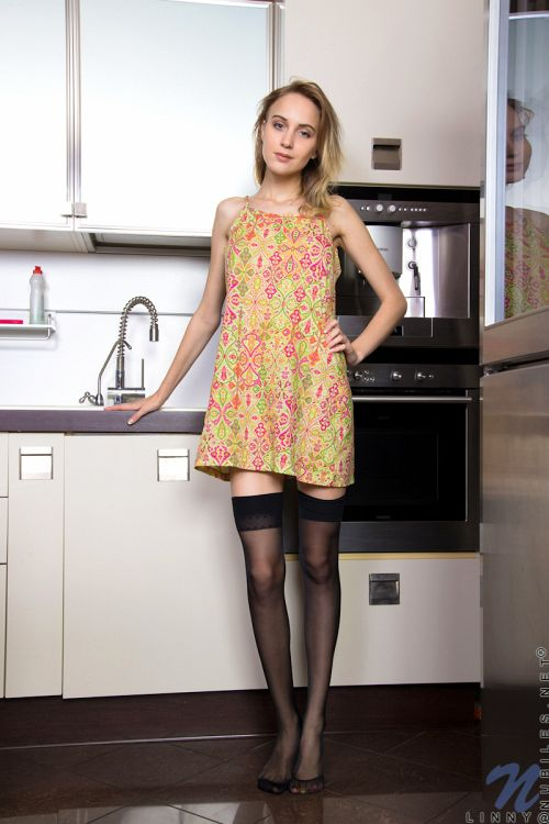 Linny - SHYLY SWEET 01