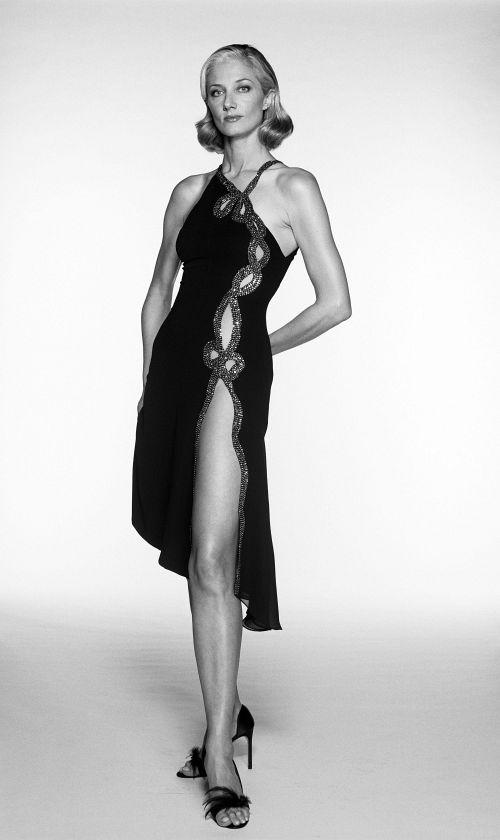 【お宝エロ画像】チャタレイ夫人の恋人(1995)で大胆に脱いでた美人女優ジョエリー・リチャードソン、熟女になってもアリなレベル 04