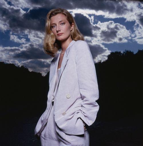 【お宝エロ画像】チャタレイ夫人の恋人(1995)で大胆に脱いでた美人女優ジョエリー・リチャードソン、熟女になってもアリなレベル 09