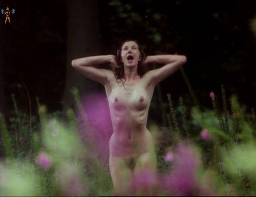 【お宝エロ画像】チャタレイ夫人の恋人(1995)で大胆に脱いでた美人女優ジョエリー・リチャードソン、熟女になってもアリなレベル 19