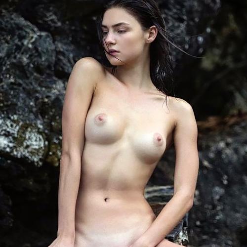 ロシアのスーパーモデル・Vika Levinaのヌードがエロい!ルックスだけでなく、おっぱいも綺麗だw