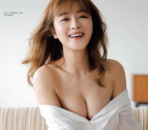 鈴木奈々、女性誌でおっぱい出しまくり!バストアップしたから見せたい模様www