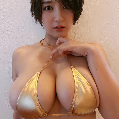 Hカップグラドル紺野栞の豊満ボディは最高だな!