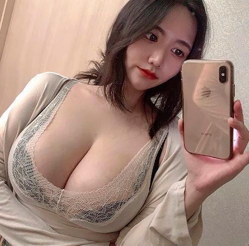 【画像】インスタで集めたデカ乳女さんを貼っていく [神スレ][ブクマ推奨]