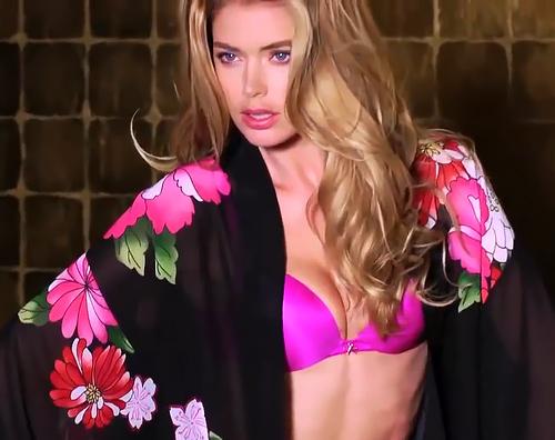【ドウツェン・クロース】元スピードスケート選手だった美人モデルさんの、魅惑のセクシーボディが堪能できる動画ww