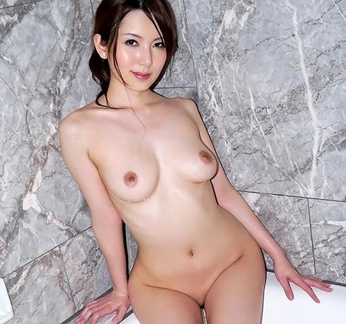 波多野結衣 熟女妖艶で色白ムチムチなアラサーおっぱい画像100枚+gif