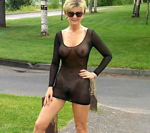 【シースルーエロ画像】海外じゃ一枚羽織ってれば乳首やマンコがまる見えでも無問題らしいwww透け透けシースルーファッションがやばい