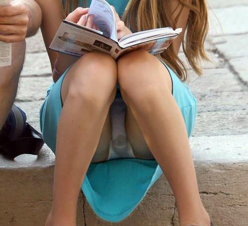海外まんさん、街中でも染みパンチラなんか気にしない事が判明。(画像あり)
