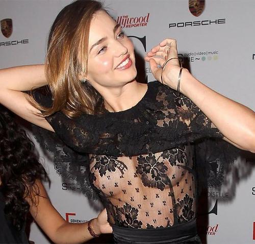 チラリどころかおっぱいポロンと飛び出してるハリウッド女優のメガハプニングwwwwwww(画像37枚)
