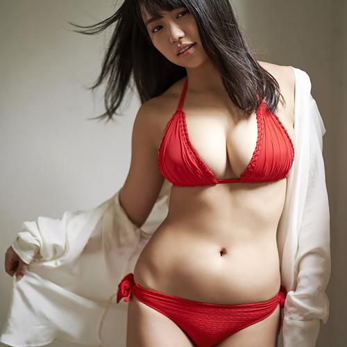 大原優乃 真っ赤なビキニがよく似合うFカップの美巨乳おっぱいに釘付け