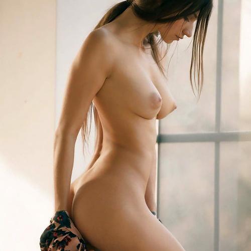 海外のヌードモデルの身体が完璧すぎるエロさを放っているwwwwwwww