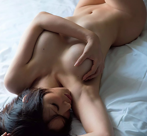 【手島優】エロ要因でオファーされるグラドル女さん、乳首をギリギリ映すwwwwwww