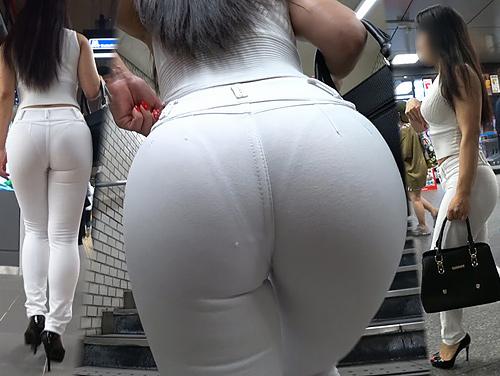 【透けパンチラ】おパンツ透け透けの素人発見!追跡して撮影した透けパンチラ画像(20枚)