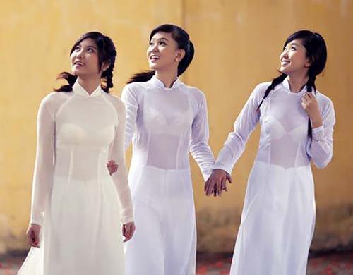 【エ□民族衣装】ベトナムのアオザイというパンツもブラも透けまくりな民族衣装、これは視姦不可避wwwwwwwww(画像30枚)