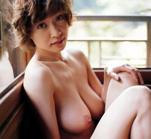 【画像】意外にチクビ綺麗だった細川ふみえのヌード画像貼ってくけど需要ある???(38枚)