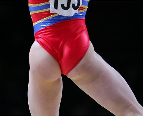女子体操でレオタードが食い込んで尻丸出しハプニングwwwwww(画像あり)