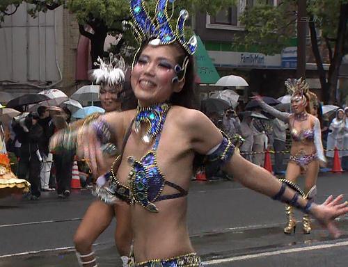 【素人】日本の祭りでカーニバルやった結果。衣装エ□すぎワロタwwwwww(36枚)