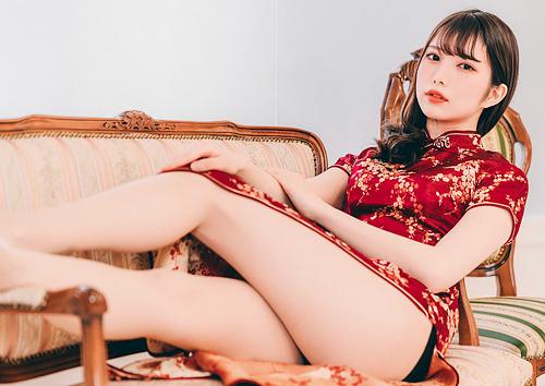 チラリと見える脚がエ□いチャイナドレスの画像 part5