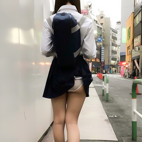 【朗報】まんさん、エチエチなパンツを履いてしまうwwww(動画あり)