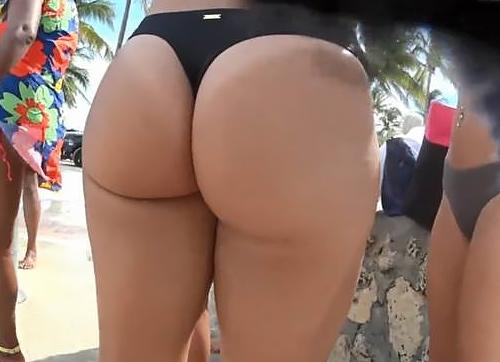 【尻フェチ】海で撮影された「ハミ尻・Tバック」撮ったヤツ有能すぎwwwwwww