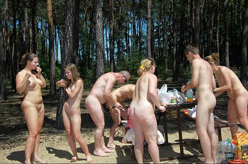 【エ□画像】世界の裸族女子さん、記念撮影して流出してしまうwwwwww