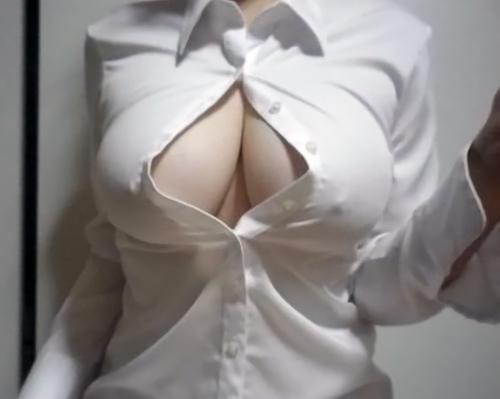 【画像】着衣巨乳画像ってこれだ!っていうのがないよな
