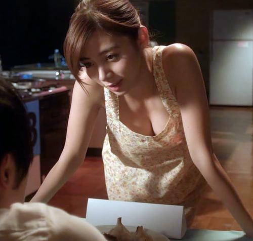今テレビの若手女優さんの中では1番エ□いと思われる「池田エライザ」我儘ボディの画像まとめ!