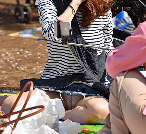公園で撮影しまくったパ●チラとか開放的なエ□画像