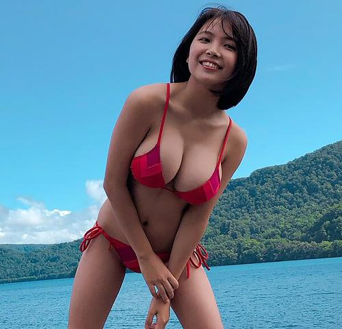 何この乳!?現役JKのグラドル、寺本莉緒ちゃんの見事なミルクタンク!抜かずにはいられない!