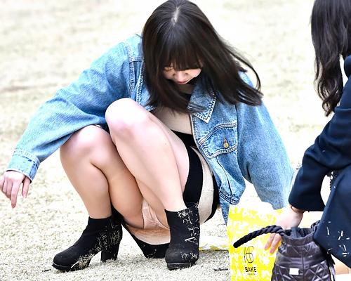【パ●チラ】カメラ持参で遊びに行きたくなる公園内のパ●チラ画像