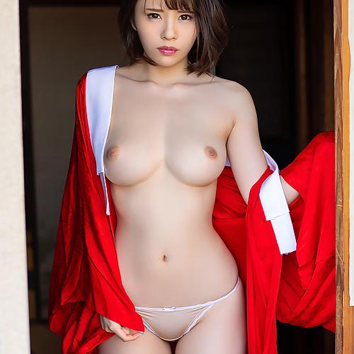 伊藤舞雪 Fカップのおっぱいが敏感過ぎてこっそり本番しちゃう奇跡の美少女