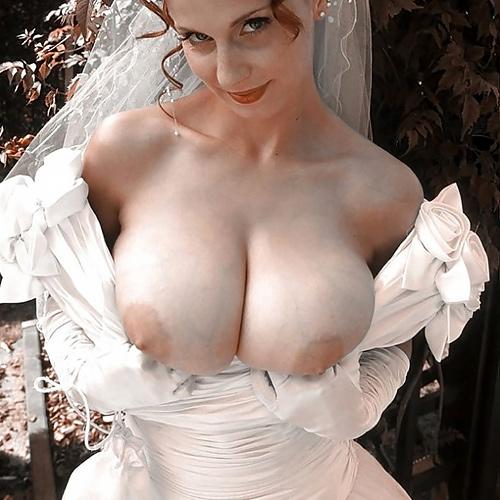 ウエディングドレス着ておっぱい丸出しの6月の花嫁さんに初夜まで待てない