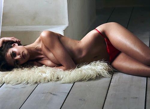 美形のスーパーモデル、テイラー・マリー・ヒルのお尻がエロいセクシー画像www